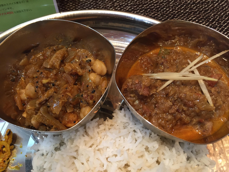 マトンカレー・ひよこ豆と椎茸のカレー
